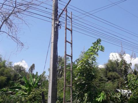 ซ่อมแซมไฟส่องสว่าง หมู่ที่ 2 บ้านถนนหัก และทำความสะอาดถนนสายโคกป